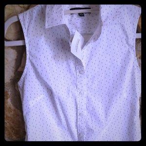 Banana Republic Sleeveless Button Down Shirt